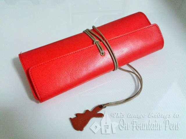 RED ALERT!!! Beware of the chilli-coloured Antenna Cafe Mont Blanc pen pouch!