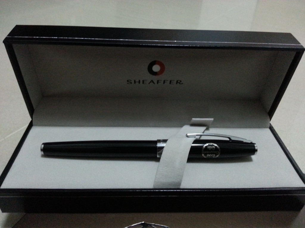 Door gift pen to commemorate the centennial